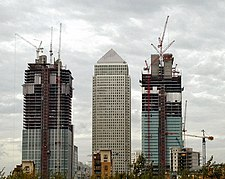 Canary Wharf construction in 2000.jpg