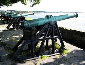 Christiansholm Fortress - Image: Cannons at Christiansholm, Kristiansand, Norway, 2004 ubt
