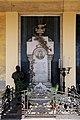 Carlo e Attilio Spazzi, monumento a gaetano franchini e familiari, 1880, 01 con aggiunta di un busto opera di tullio montini nel 1915.jpg
