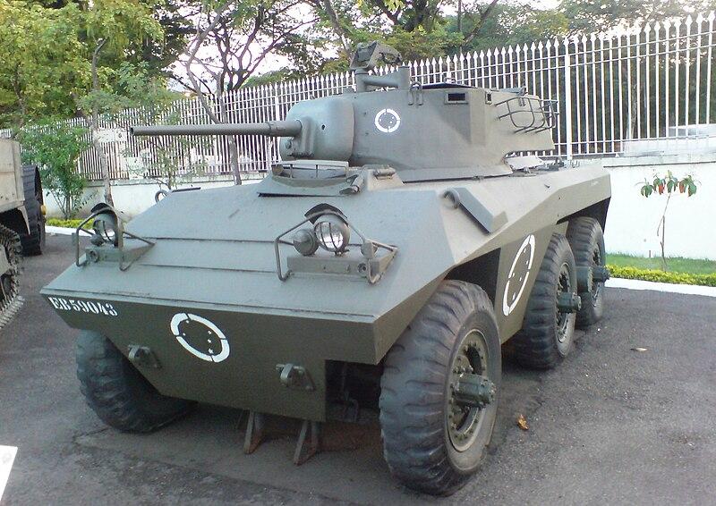جميع الأسلحة المستخدمة من طرف الجيش الجزائري 800px-Cascavel1