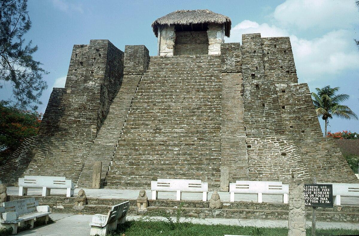 Huastec civilization wikipedia - Castillo de azay le rideau ...