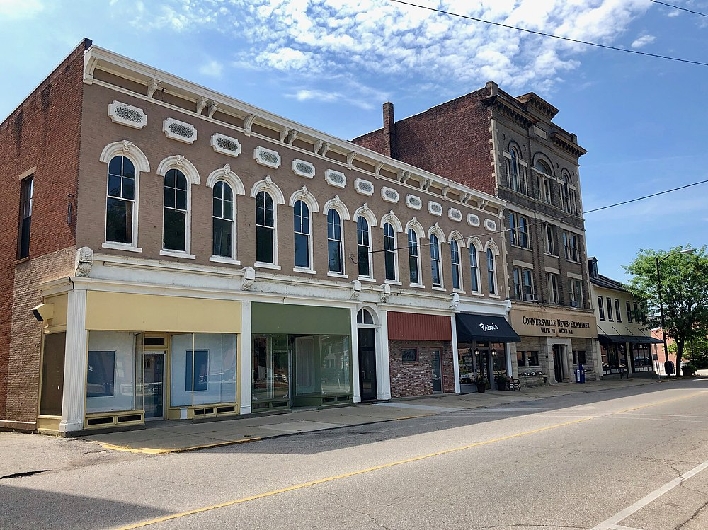 The population density of Connersville in Indiana is 670.7 people per square kilometer (1737.24 / sq mi)