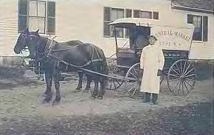 Lyme, New Hampshire -  Central Market wagon c. 1910. Photo: Lyme Historians