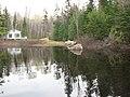 Chalet au fond d'une baie du lac Gauthier - panoramio.jpg