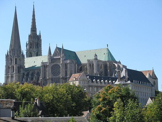 Cath drale notre dame de chartres gothique classique for Architecture gothique