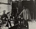 Chinesischer Photograph um 1875 - Teestunde (Zeno Fotografie).jpg