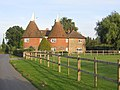 Converted oast houses, Comp, Offham, Kent - geograph.org.uk - 258769.jpg