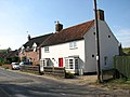 Cottages in Beccles Road - geograph.org.uk - 1510888.jpg
