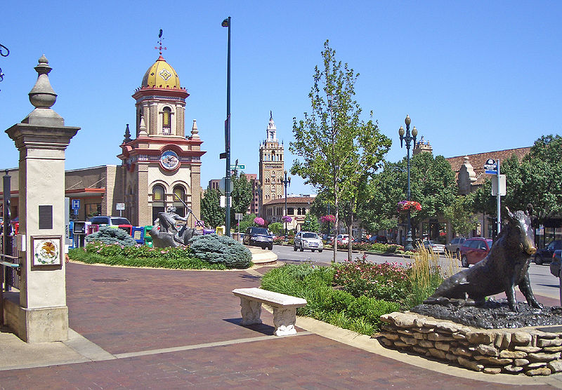 پرونده:Country Club Plaza 1 Kansas City MO.jpg