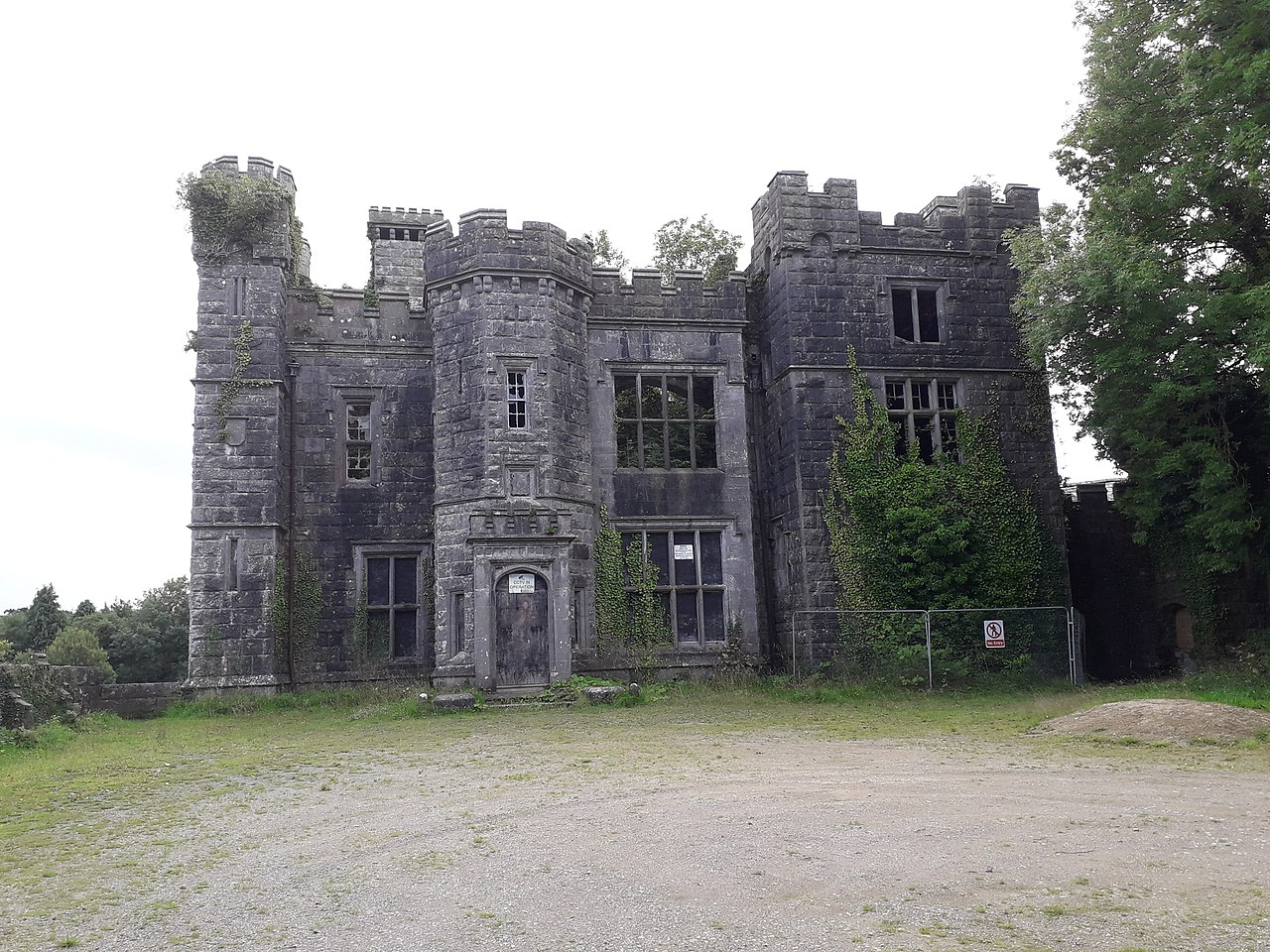an old gutted out castle saunderson