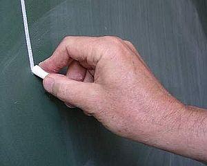 stick-slip effect with a shalk on a blackboard