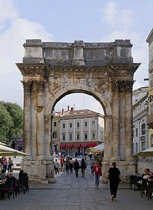 Arch of the Sergii - Image: Croatia Pula Arch of the Sergii 2014 10 11 12 22 20