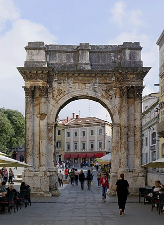 Arch of the Sergii - Image: Croatia Pula Arch of the Sergii 2014 10 11 12 22 20