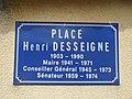 Cuinzier - Place Henri Desseigne, plaque (août 2020).jpg