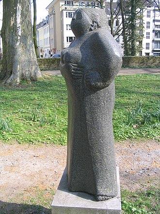 """Johanna Ey - A sculpture of Johanna """"Mutter"""" Ey by Hannelore Köhler stands in Düsseldorf's Spee'scher Park."""