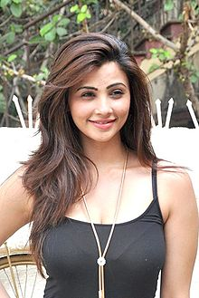 Daisy Shah at Alvira Khan's Ahakzai fashion preview.jpg