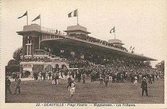 Deauville-FR-14-CPA-La Plage fleurie-Hippodrome-Les tribunes-01.jpg