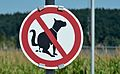 Defecating prohibited for dogs, traffic sign at Timelkam.jpg