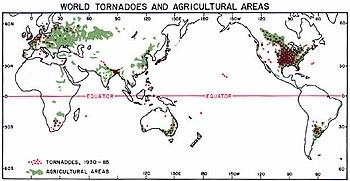 350px-Densit%C3%A9_annuelle_tornade_mond