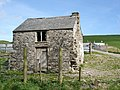 Derelict farm building - geograph.org.uk - 165442.jpg
