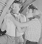 Detail, Italian-Americans at work on bombers 8d17206v (cropped).jpg