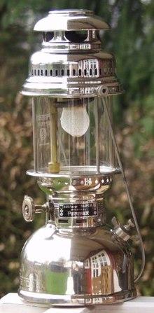 Manchon incandescence mont ici sur une lampe pression p trole de ty - Que produit une lampe a incandescence ...