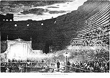 Rappresentazione di uno spettacolo all'interno dell'Arena.