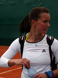 Dinah Pfizenmaier at the 2013 French Open 1.jpg