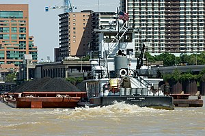 Pusher (boat) - The Donna York pushing barges of coal up the Ohio River at Louisville, Kentucky