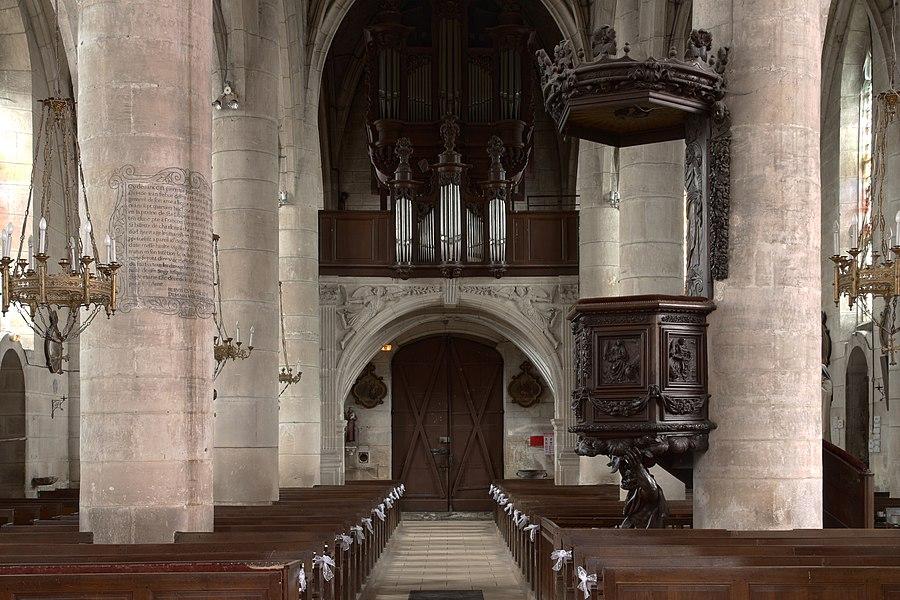 The organ of the church of Éclaron.