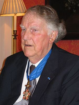 Order of Merit of the Republic of Poland - Sir Edmund Hillary wearing the Commander's Cross in 2004