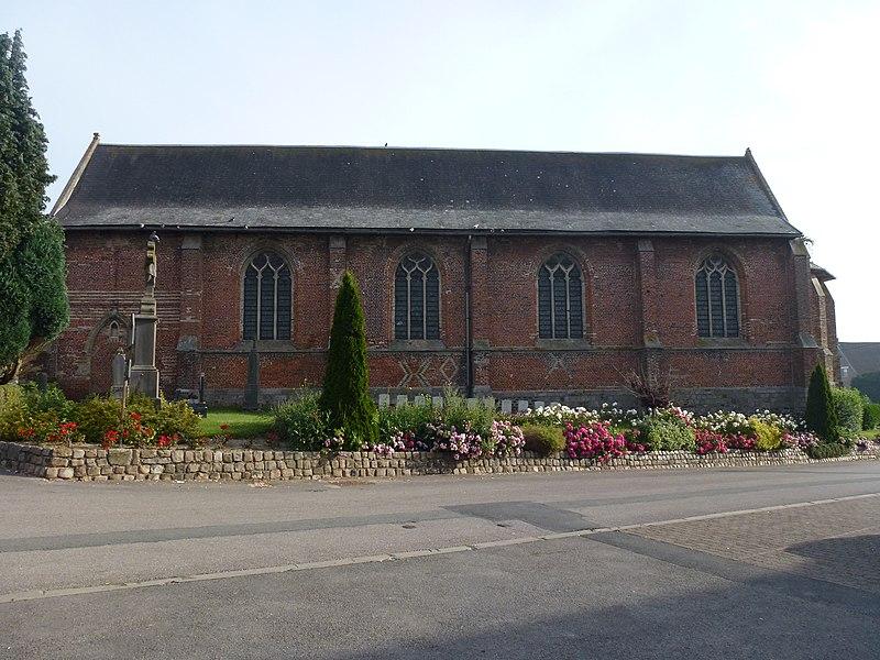 Eecke (Nord, Fr) l'église, vue latérale