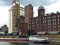 Ehemalige Pfälzische Mühlenwerke im Mannheimer Industriehafen, Inbetriebnahme 1909. Die Pfalzmühle galt als einer der größten und modernsten Großmühlenbetriebe in Deutschland.jpg