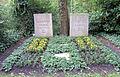 Ehrengrab Potsdamer Chaussee 75 (Niko) Otto Suhr.jpg