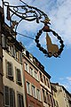 Enseigne non loin de la cathédrale de Strasbourg.jpg