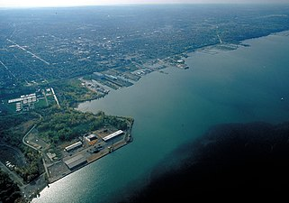 Erie Pennsylvania aerial view.jpg