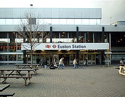 Euston station main entrance and courtyard