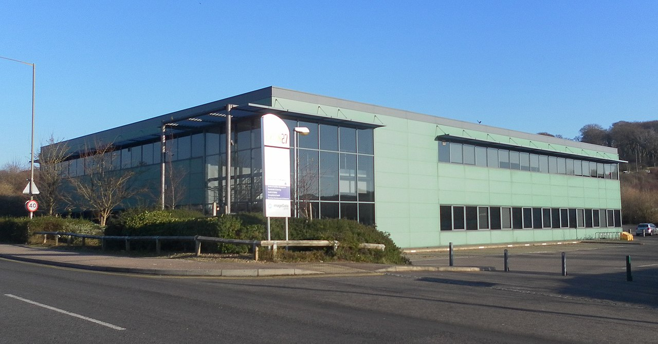 File:Exion 27 Building, Hollingbury Industrial Estate ...