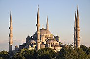 Exterior of Sultan Ahmed I Mosque in Istanbul, Turkey 002.jpg