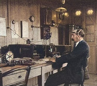 Invention of radio - A French ship-to-shore radio station in 1904