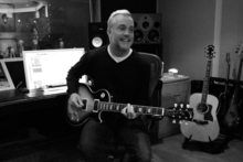 Feldy guitar black and white 2.png