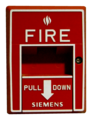 Fire alarm pull station in Crystal City Underground -02- (50976081113).png