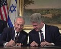 Flickr - Government Press Office (GPO) - Peres and Clinton.jpg