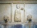 Fontana Tagliaferri Piazzetta Tito Speri rilievo vescovo Tiziano Brescia.jpg