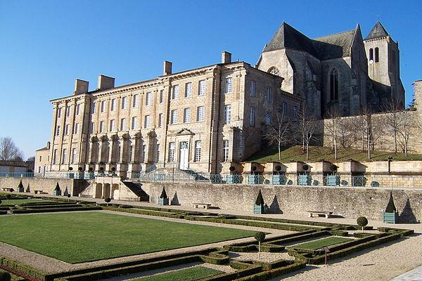 L'abbaye royale Notre-Dame.