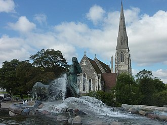 St. Alban's Church, Copenhagen - The church with the Gefion Fountain in the foreground