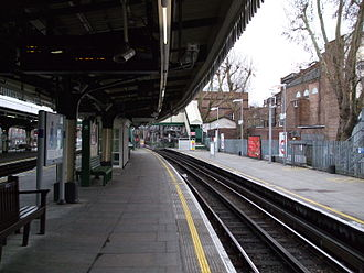 Golders Green tube station - Image: Golders Green stn northbound south