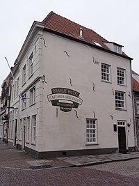 Grave Rijksmonument 17219 Oliestraat hoek Brugstraat 8-10.JPG