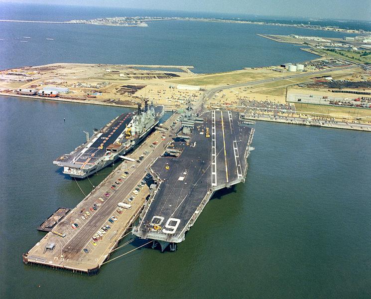 745px-HMS_Ark_Royal_USS_Nimitz_Norfolk1_