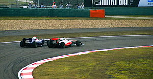 Williams FW32 - Image: Hamilton Barrichello China GP 2010